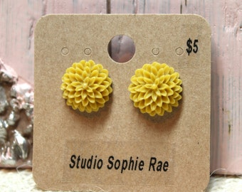 Sweet Mustard Resin Dahlia Cabochon Earrings