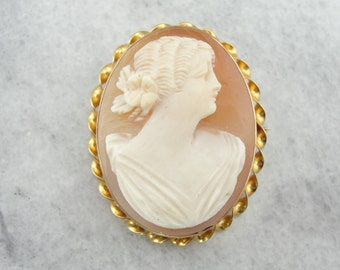 Vintage Cameo Brooch, Coral Color Shell, Gold H9VUAA-N