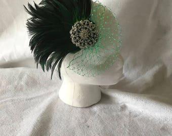 Emerald Green feather Fascinator, Hunter Green Fascinator, Dark Green Fascinator, Feather Fascinator Hair Clip, Feather Wedding fascinator