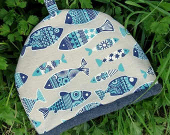 A tea cosy, size large.  Made to fit a 4 - 5 cup teapot.  Nautical decor.  Fish Design.