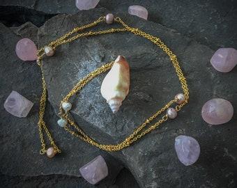 Seashell and Pearl Necklace, Boho Seashell Necklace, Bohemian Seashell Necklace, Sea Shell Necklace, White Shell Necklace, Mermaid Necklace