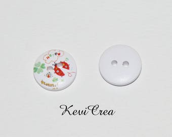 5 x white clover and Ladybug 15mm wooden buttons