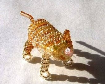 Miniature cat with seed beads and copper wire