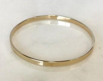 Beautiful 14k Yellow Gold Bangle Bracelet