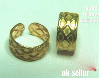 Ear Cuffs Bronze 1 pair approx 8mm wide, diamonds design, for pierced or non pierced ears ideal for ear, lips, nose, etc in gift box