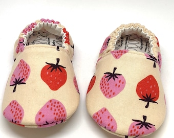 Baby Moccs: Strawberries on Tan / Baby Shoes / Baby Moccasins / Childrens Indoor Shoes / Vegan Moccs / Soft Soled Shoes / Montessori Shoes