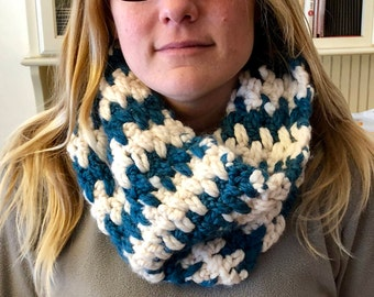 Toothy Stripe Cowl