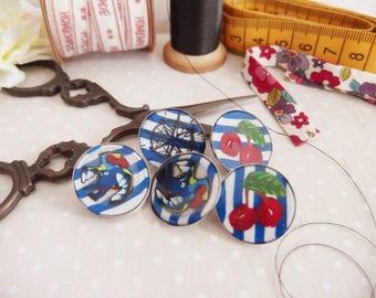 Set of 5 handmade buttons, Pin Up / cherry / compass / swallow