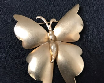 Vintage Gold Tone Butteryfly Pin