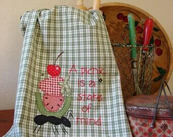 Summer Kitchen Towel - Picnic - Kitchen Decor Accessory - Farm Style Towel - Sage Green White Check - Picnic Basket Tea Towel - Bumble Bees