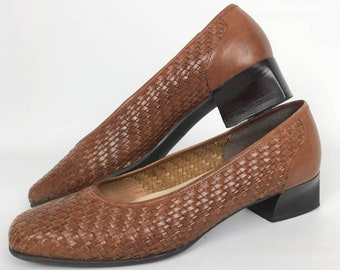 90s Leather Block Heels Size 8.5, Woven Leather Heels, Brown Leather Heels, Womens Block Heels, Womens Leather Shoes, 90s Shoes, Tan