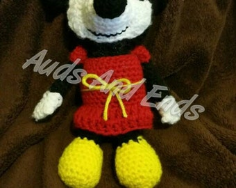 Made to order crochet Classic Mouse  amigurumi