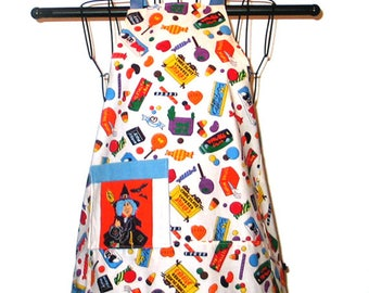 Child's Apron Halloween  Ages 3 thru 7 Witch Candy Reversible
