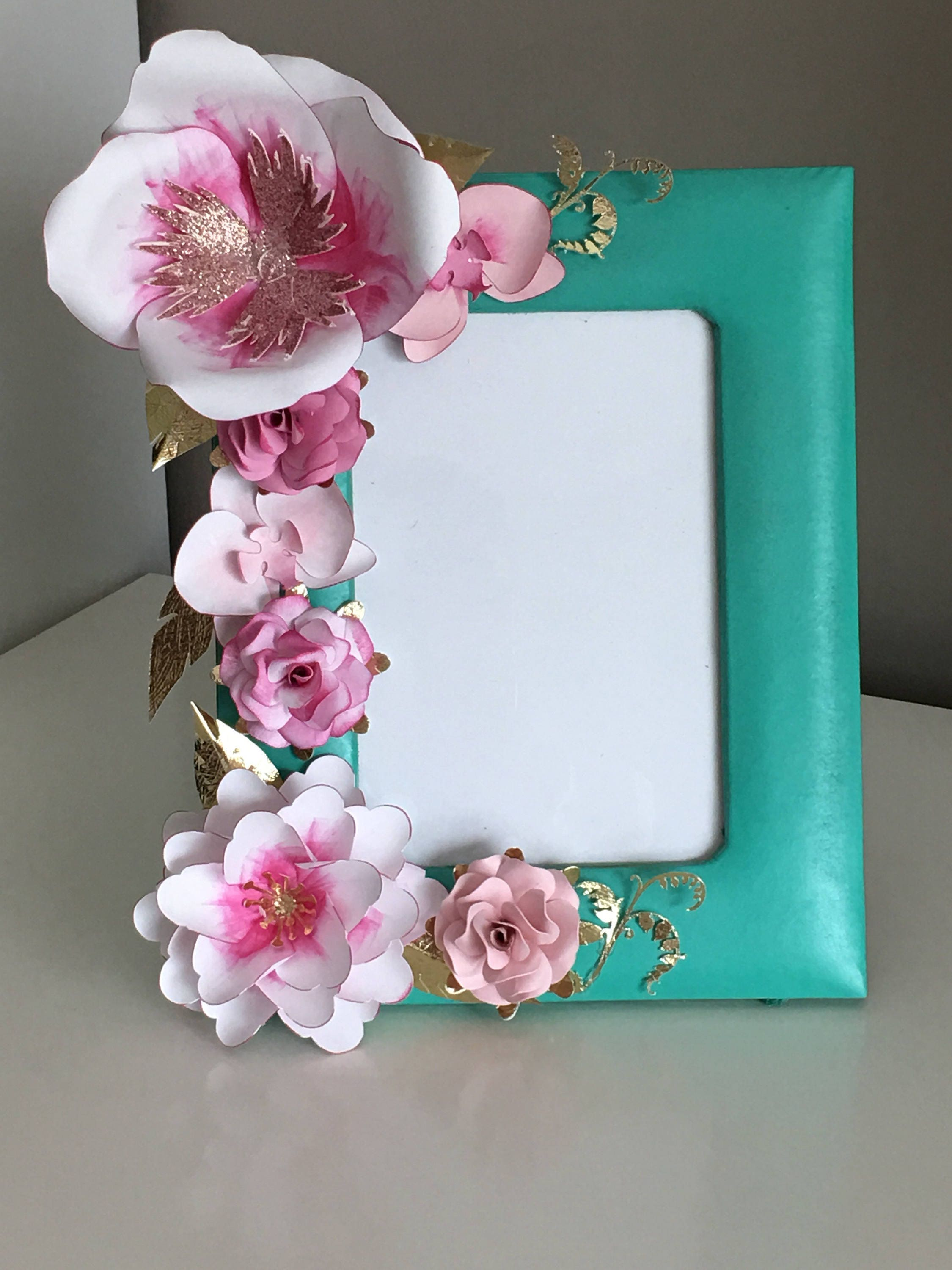 Picture frames with custom paper flowers