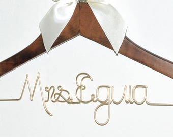 Personalized Wedding Hanger, Bridal Hanger, Unique Bridal Shower Gifts, Custom Wire Name,  Bridesmaids Dress Hanger,  Wedding Dress Hanger,