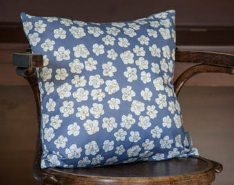 Blue cushion, pretty flower design, feather cushion, decorative pillow, throw pillow, 45x45cm, 18x18 inches