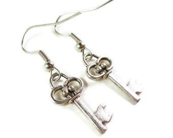 Silber Schlüssel Ohrringe, Ohrringe Antik Silber Metall Charme, Skelettschlüssel Ohrringe, baumeln Ohrringe, Ohrringe, Muttertag Geschenkidee
