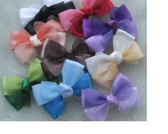 9 two-tone bow appliques in satin and organza