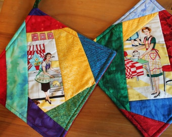 Fifties Housewife Patchwork Potholder Set of 2