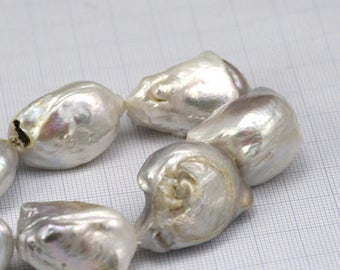 Large Baroque Pearl Fresh water 1 pc aprx 25 mm
