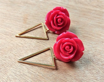 Twininas Roses Earrings / Gold Triangle Earrings / Red & Brown Color resin rose / Acrylic Rose / Gold Plated Brass / Handmade Earrings