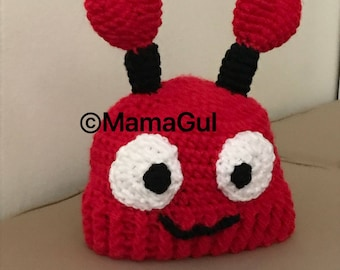Lovely red ladybug beanie hat for the little lady