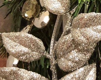 Silver and White Wreath, Christmas Wreath, Front Door Wreath, White and Silver Wreath, Designer Wreath, Small Wreath