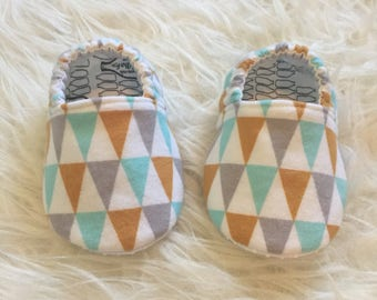 Baby Moccs: Organic Flannel Bunting / Baby Shoes / Baby Moccasins / Childrens Indoor Shoes / Vegan Moccs / Soft Soled Shoe / Montessori Shoe