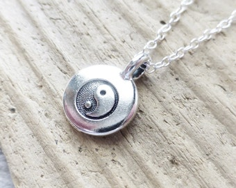 Yin Yang Charm Necklace, Stamped Tiny Charm Circle Pendant, Yin Yang Sign Symbol Charm Necklace, Silver Pendant Layering Necklace, Chinese