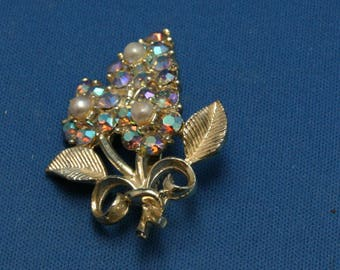 Vintage Aurora Borealis Faux Pearl Gold Tone Floral Flower Pin Brooch