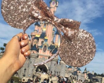 The rose gold Sparkle Ears Seqin Mouse Ears Headband