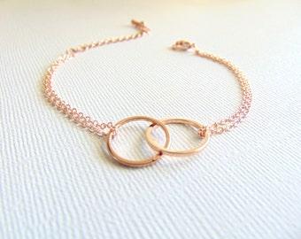 Linked circles Bracelet, Rose Gold Eternity bracelet, Mother daughter bracelet, Dainty jewelry, Mom gift, Lovers gift, interlocking circles