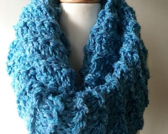 Thick blue cowl scarf, fall accessories, cowl,chunky knit infinity scarf, bulky scarf cowl, looped scarf, infinity cowl, cowl scarf, the kni