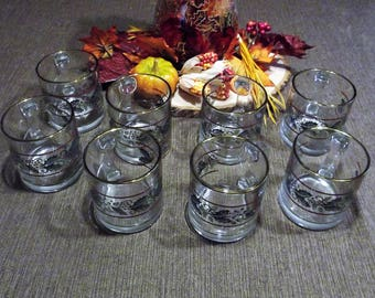 Libbey *-* CHRISTMAS HOLLY *-* Glass Mugs, Set of 8