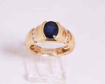 14K Yellow Gold Sapphire and Diamond Chip Ring ,7.5 grams, size 6.5