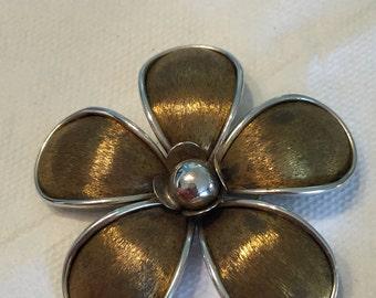 Flower Brooch Retro