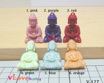 Resin sitting buddha pendants x 6 pcs (V-127).