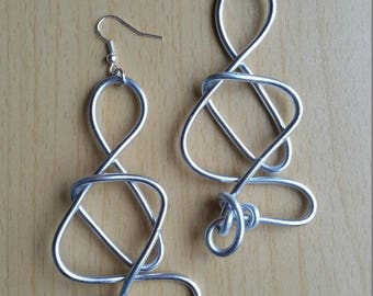 Handgemaakte aluminium oorbellen - Item #596