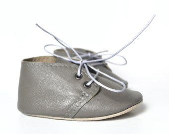 CLEARANCE Gray baby shoes, Baby leather oxfords, Gender neutral baby shoes, Soft sole shoes, Baby moccasins, Newborn baby gift,  Crib shoes