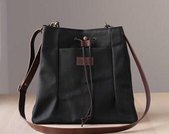 Waxed Canvas Bag, Crossbody Bag, Shoulder Bag, Waxed canvas tote bag, leather straps NAROA black
