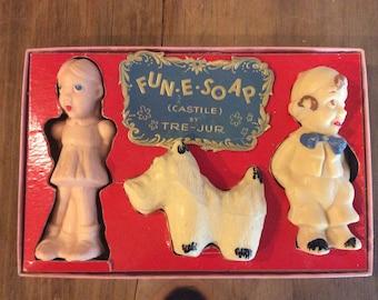 Vintage  1940's Tre-Jur Fun-E-Soap set