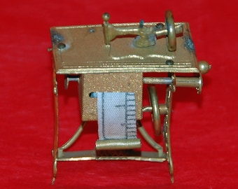 Antique TAPE Measure, SEWING MACHINE, Brass Gilt Tinplate, Late 1800s, see 'Figural Tape Measures' pg147 by Arbittier & Morphy