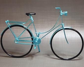 Miniature Dutch bicycle / Dutch bike in aluminum wire