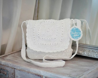 Cross Body Bag White Crochet Handbag Upcycled Purse Messenger Bag Womens Ecofriendly Plarn Satchel