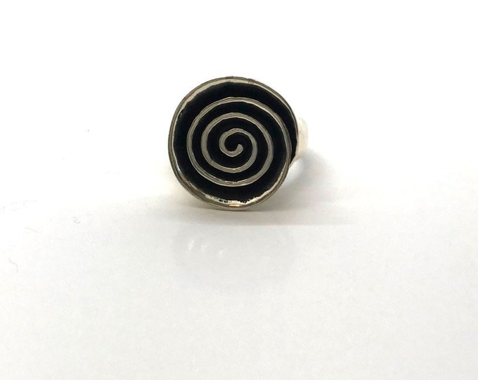 Sterling Silver Spiraling Circle Ring, Vintage Sterling Ring, Vintage Silver Ring, Hallmarked Sterling Ring, Circle Ring