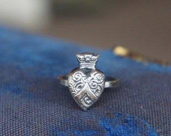 Solid Silver Antique Style Crowned Heart Ring
