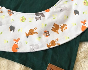 Forest Animals Oliebib - babywearing bib and burp rag, full coverage and waterproof!