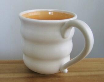 Ruche énorme tasse, cadeau café, poterie grand café Mug en Melon Orange de 18 oz tasse en céramique, grès tournée