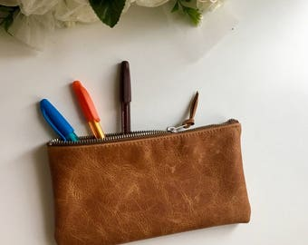 Leather Pencil case / tan leather pencil case / distressed leather Small zipper pouch/ leather pencil case / cosmetic bag / makeup bag