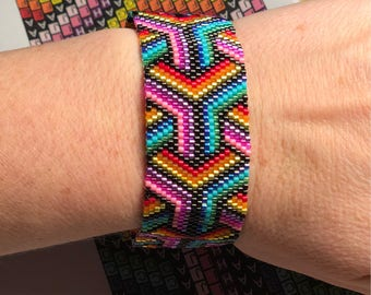Peyote Stitch Rainbow Geo1 bracelet